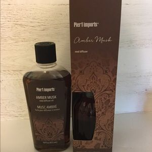 Amber Musk Reed Diffuser with Refill Bottle